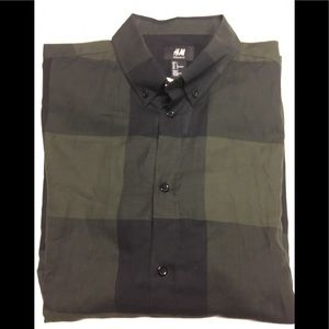 H&M Green plaid button up large